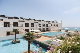 Apartment with pool overlooking the beach of Porto de Mos in Lagos