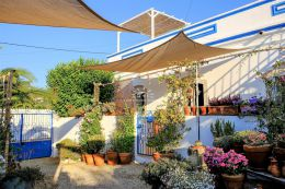 Typical Algarve property tastefully restored with breath taking view near Santa Barbara de Nexe