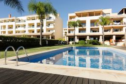 Apartment with communal pool in Terracos do Pinhal in Vilamoura
