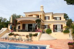 Impressive 4 bedroom Villa with Pool in quiet area on elevated location Golf course Pinheiros Altos in Quinta do Lago