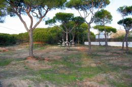Plot of land to build a villa in urbanisation close to beach and golf near Quinta do Lago