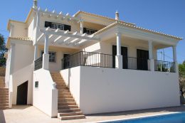 Newly built 4-bedroom villa with nice views