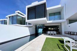 Newly build linked villas with pool near Vale do Lobo and Quinta do Lago