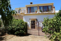 Traditional Portuguese country home with plunge pool near Loule