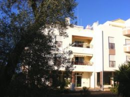 Well presented 3 bedroom apartment with balcony and garage in Tavira