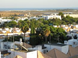 3 bedroom apartment in Tavira with sea view, private terrace and garage