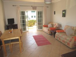 South-facing 1 bedroom apartment with sunny balcony in Conceicao de Tavira