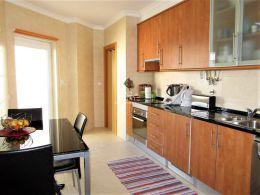 2 SZ Wohnung mit privater Dachterrasse in Wohngebiet in Tavira