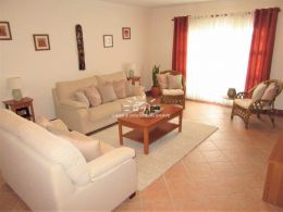 Sole agent - Furnished 3 bedroom apartment with a garage in Tavira centre