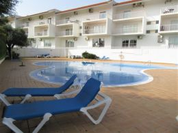 Penthouse apartment with large sun terraces, pool and sea view in Cabanas de Tavira