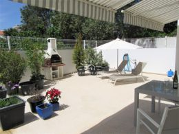 Immaculate two bedroom, two bathroom apartment with large patio in Tavira