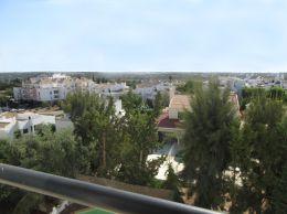 Sehr gut präsentierte 2 SZ Apartment mit Balkonen in grüner Wohngegend in Tavira