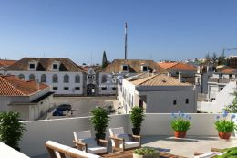 Luxury penthouse apartments with attic, private roof terrace and garage in Tavira town centre