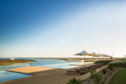 Luxury apartment with infinity pool frontline Ria Formosa