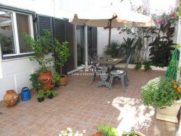 VERANDELBAR! - Wunderschön restauriertes Haus mit Patio und Nebengebäude in Santa Luzia