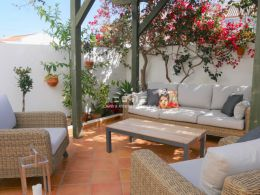 3 bedroom townhouse with South facing terrace close to Tavira