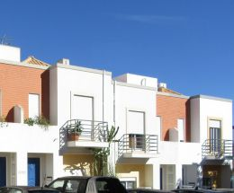Two bedroom townhouse with beautiful sea view in residential area in Tavira