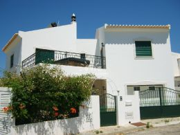 Friendly 4 bedroom villa with garden and gorgeous wide views near Tavira