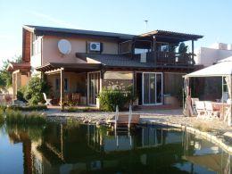 Charmante Villa mit Einliegerwohnung, Garage und schön angelegtem Garten in São Brás