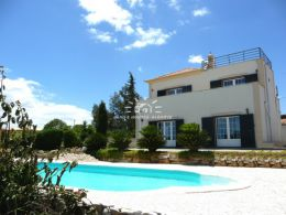 Good quality 3 bed villa with pool and garden near Tavira enjoying great sea and mountain views