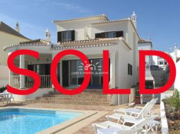 Quality 4 bedroom villa with pool and superb Ria Formosa views near Tavira