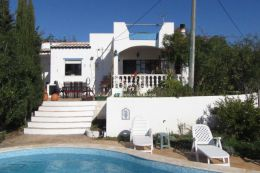 Villa with swimming pool and beautiful country and sea view near Tavira