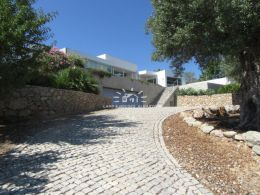 High quality contemporary villa with pool and fabulous sea view near Tavira