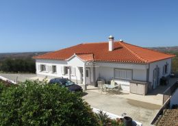 High quality villa with pool near Castro Marim offering breathtaking sea and country view
