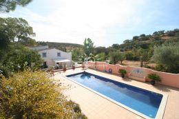 Quinta mit großem Pool, Garage und Panoramablick nahe Sao Bras de Alportel