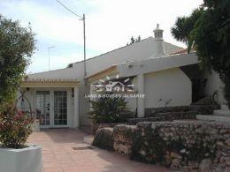 Geschmackvoll renovierte 3-Schlafzimmer Villa mit Schwimmbad