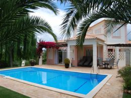 Beautiful 3 bedroom fully furnished golf property