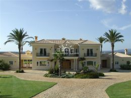 Magnificent luxurious 4 bedroom villa with guest annex and pool near Portimao