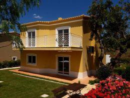 Comfortable 3 bedroom Villa in quiet residential area