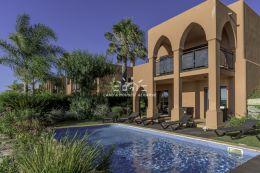 Schöne Villa mit Pool und wunderschön angelegte Gärten in Golf Resort nahe Alcantarilha