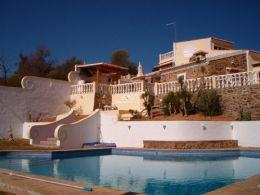 Fantastisches Anwesen mit einem Hauch von Portugal