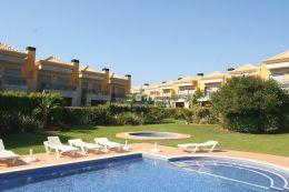 Stadthaus mit Pool in Ferreiras nahe Albufeira