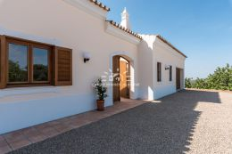 Villa with pool and sea view in idyllic setting near Santa Barbara de Nexe