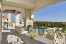 Stunning penthouse apartment with pool on Golf Resort close to amenities in Vilamoura