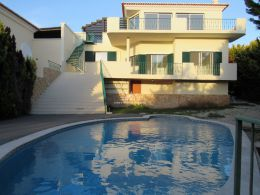 Villa with pool short walk to beach and the picturesque village of Ferragudo