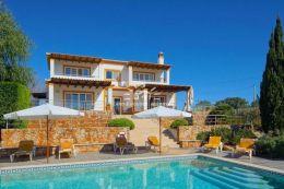 Villa mit beheiztem Pool und gepflegten Garten nahe Carvoeiro