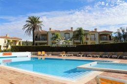 Apartment with pool on prestigious golf resort near Carvoeiro