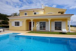 Fantastic villa with pool and unique views to the hills towards the sea near Loule