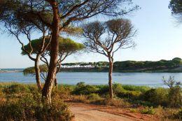 Unique plot of land to build a villa near the beach of Fonte Santa and Vale do Lobo
