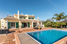 Villa with heated pool and sea view close to Boliquieme