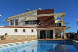 Villa with pool and beautiful sea view near Sao Bras de Alportel