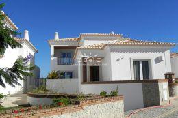 Grosse 5 SZ Villa mit Pool in einer ruhig gelegenen Wohnanlage in Vilamoura