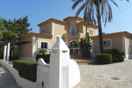 Luxus Villa mit Pool entlang der Fairway in Golf Resort nahe Carvoeiro