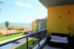 Exclusive apartment with pool in frontline position and amazing sea view in Quarteira