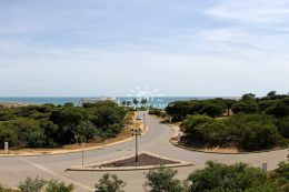 Frontline plot of land to build a villa with pool overlooking the Atlantic Ocean in Vale do Lobo