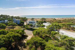 Plot of land frontline to beach front overlooking the Atlantic ocean in Vale do Lobo